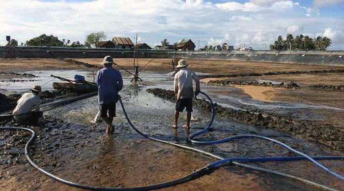 Dịch vụ hút bùn thải làm việc 24h