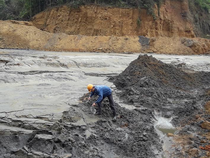 Nhận thu gom bùn thải công nghiệp Hậu Giang giá rẻ